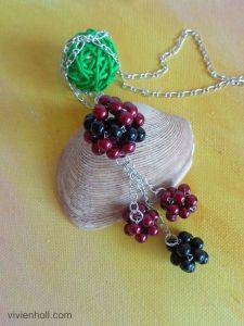 Bordó-fekete gömbös nyaklánc