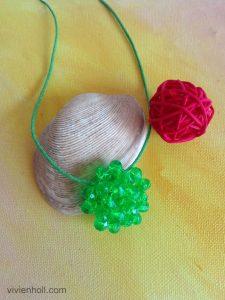 Zöld UFO nyaklánc