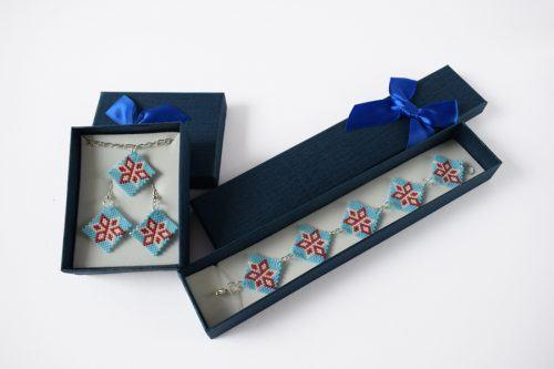 Virágos ékszerszett – világoskék-piros-fehér/Flowered jewellery set - light blue-red-white